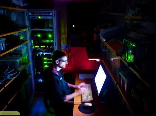 کنترل دمای اتاق سرور | چگونه دمای اتاق سرور را کنترل کنیم ؟
