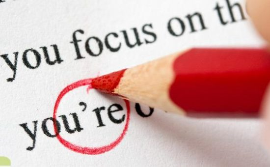 چگونه  اشتباهات متن درخواست و نامه های انگلیسی را در بیاوریم؟