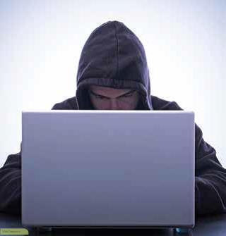 هکرها به شکلهای مختلف و با انگیز ههای مختلف ظاهر میشوند