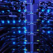 سرورهای اینترنت چگونه کار میکنند؟