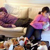 چگونه از اضافه وزن کودکانمان پیشگیری کنیم؟