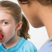 چگونه با مصرف خوراکی ها به درمان آسم کمک کنیم؟
