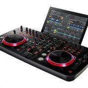 چگونه با دستگاه موسیقی دیجی (DJ) آشنا شویم؟