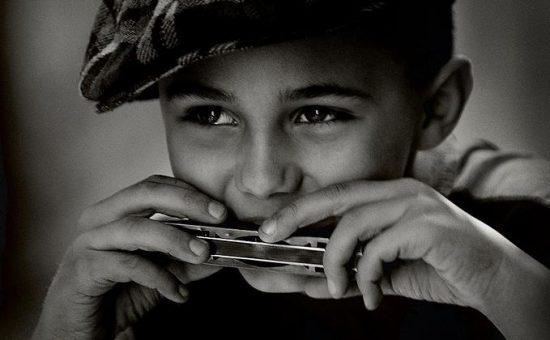 چگونه با ساز بادی سازدهنی یا هارمونیکا (Harmonica) آشنا شویم؟