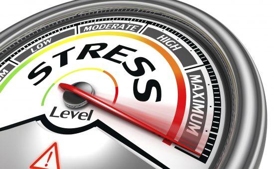 چگونه استرس بر تیروئید شما تاثیر میگذارد ؟ راه های مقابله با آن چیست