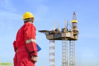 چگونه کسی می تواند مهندس نفت بشود ؟؟