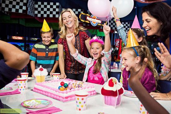 چگونه با کودکان بی ادب در مهمانی ها رفتار کنیم؟