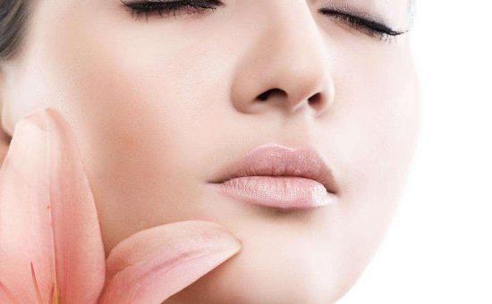 چگونه به رازهای زیبایی که متخصصان پوست به آن قسم میخورند پی ببریم؟