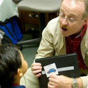 چگونه شغل گفتار درمانگر را معرفی می کنیم ؟