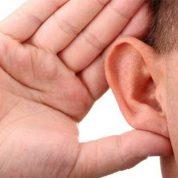 چگونه از ماساژ درمانی روی گوش ها استفاده کنیم؟