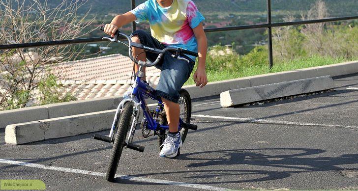 چگونه با یک دست دوچرخه برانیم؟