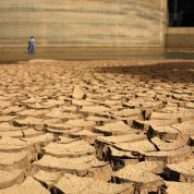 چگونه بر اثرات نامطلوب و زیان بخش اجتماعی خشک سالی پی ببریم؟