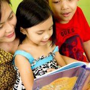 چگونه با کودکانمان به طرز صحیح صحبت کنیم؟
