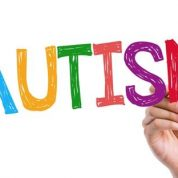 چگونه با کودکان مبتلا به اوتیسم رفتار مناسبی داشته باشیم؟