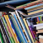 چگونه کودکان را به کتاب خواندن تشویق کنیم؟