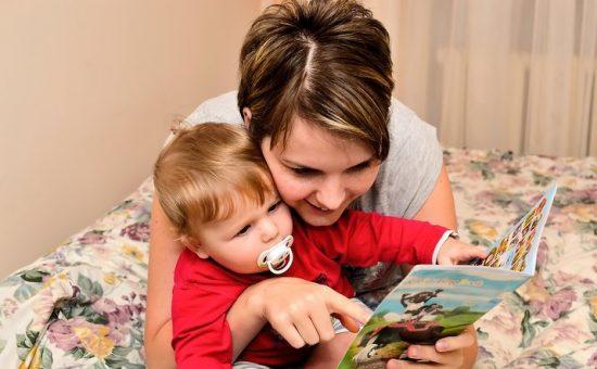 چگونه برای یک کودک کتاب بخوانیم؟