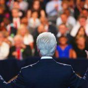 چگونه سخنرانی را مقتدرانه شروع کنیم؟