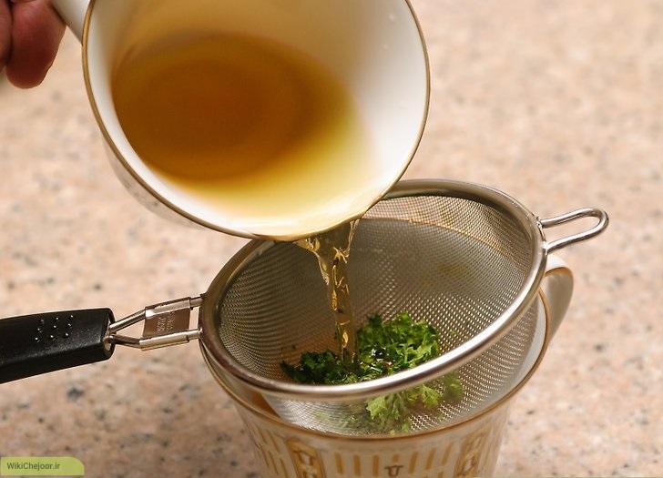 چای جعفری با برگ جعفری خشک شده
