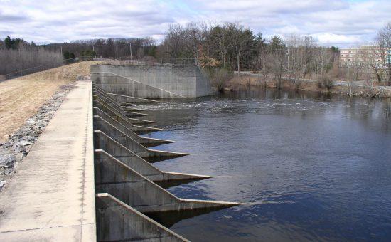 چگونه و با چه تجهیزاتی می توانیم انتقال آب به مزارع را انجام دهیم؟