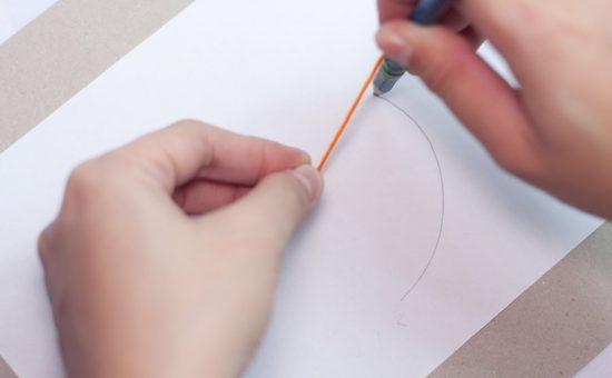 چگونه با استفاده از سنجاق و مداد، دایره رسم کنیم؟