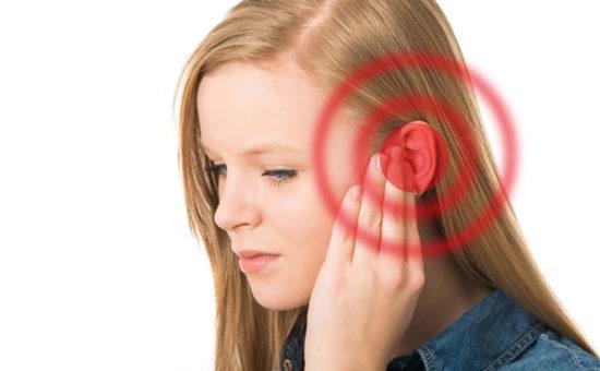چگونه کندرودرماتیت ندولر مزمن در گوش ایجاد می شود