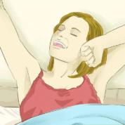 چگونه هنگام خوابیدن با کمر درد کنار بیاییم؟