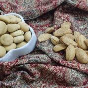 چگونه شیرینی حاجی بادام درست کنیم؟