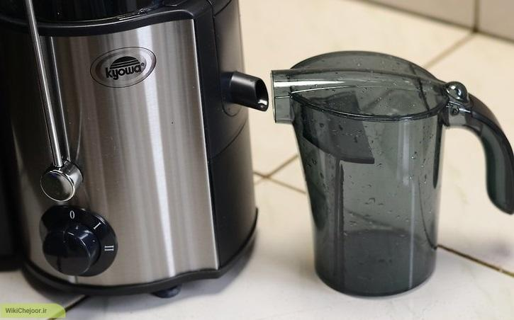 تهیه ی آب هویج با استفاده از آبمیوه گیر