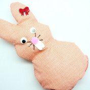 چگونه یک خرگوش عروسکی بسازیم؟