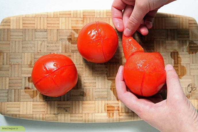 چگونه در عرض چند ثانیه پوست گوجه فرنگی را بگیریم؟