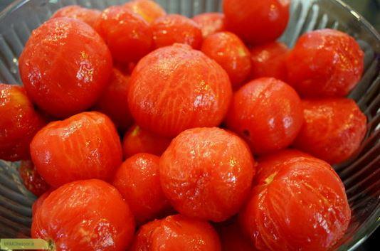 روش اول پوست کندن گوجه فرنگی
