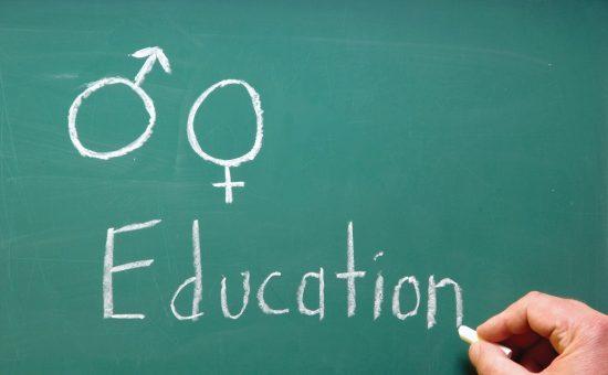 چگونه به کودکان خود آموزش های جنسی لازم را بیاموزیم؟