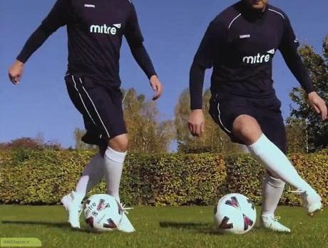 چگونه مهارت ها و تکنیک های دریبل در فوتبال را یاد بگیریم و بهبود ببخشیم؟