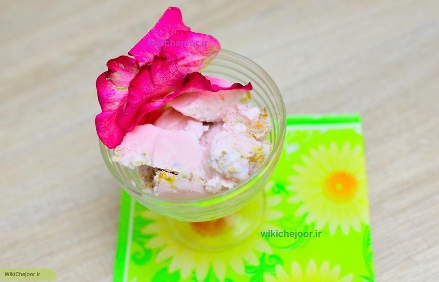 چگونه بستنی پسته ای با طعم گل رز درست کنیم؟