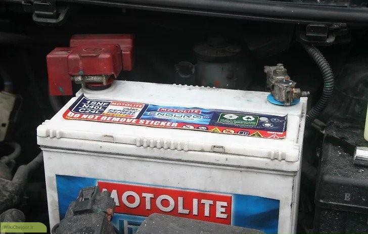 تمیز کردن اتصالات باتری ماشین
