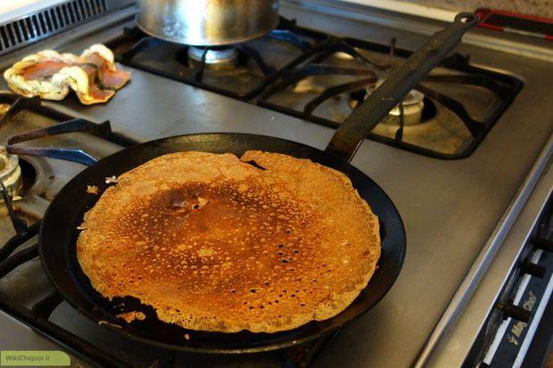 داغ کردن ماهیتابه کرپ صبحانه