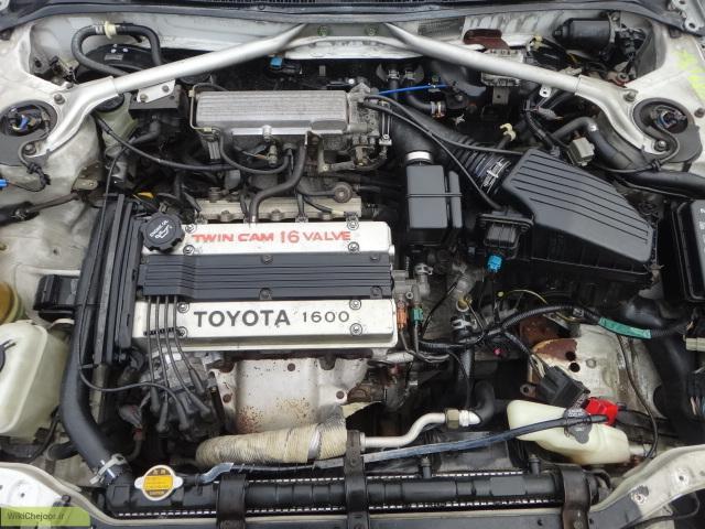 چگونه موتور خودرو را تمیز کنیم؟