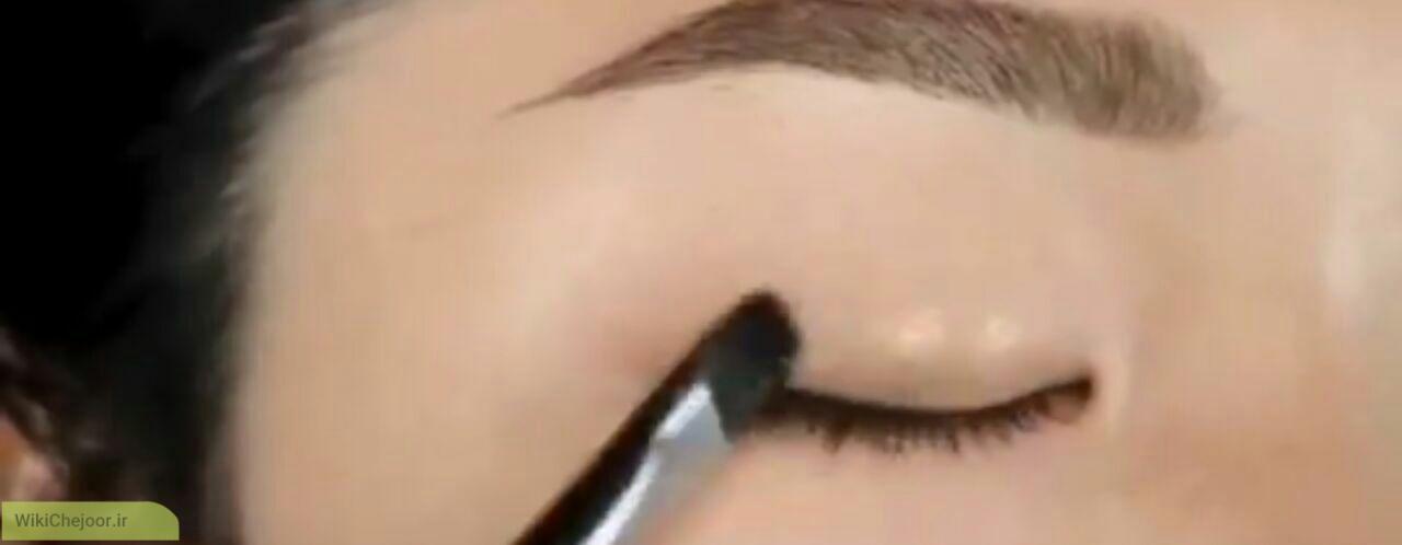 بزرگ کردن چشم ها با آرایش