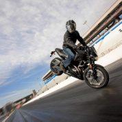 چگونه با موتورسیکلت ترمز بگیریم؟