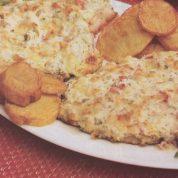 چگونه ماهی با سس خامه و گوجه فرنگی درست کنیم؟