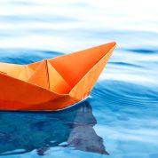 چگونه قایق کاغذی بسازیم؟