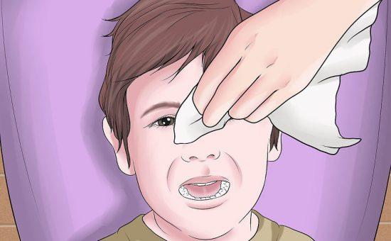 چگونه قطره چشم به کودک بدهیم؟