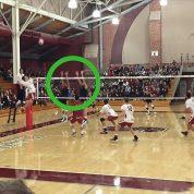چگونه یک بازیکن والیبال به توپ ضربه می زند؟